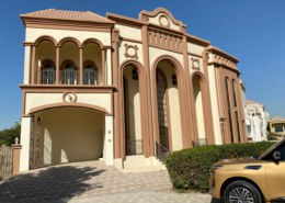 5 bedrooms + Maids room with swimming pool for Sale in THE VILLA